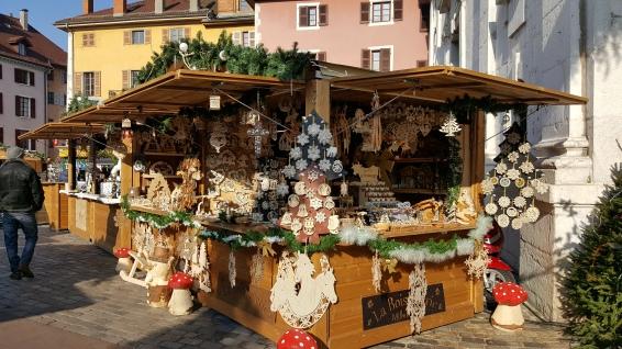 L'artisan de bois vous propose des créations originales et artisanales vous rappelant Noël d'antan