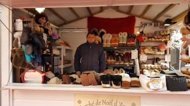 Avec l'hiver qui s'annonce glacial, rien de plus agréable que d'offrir des produits de qualités synonymes de confort et de bien-être : pantoufles, gants ou chaussons à bases de matière ultra-douce feront plaisir à vos proches