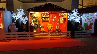 La Maison du Père-Noël de nuit